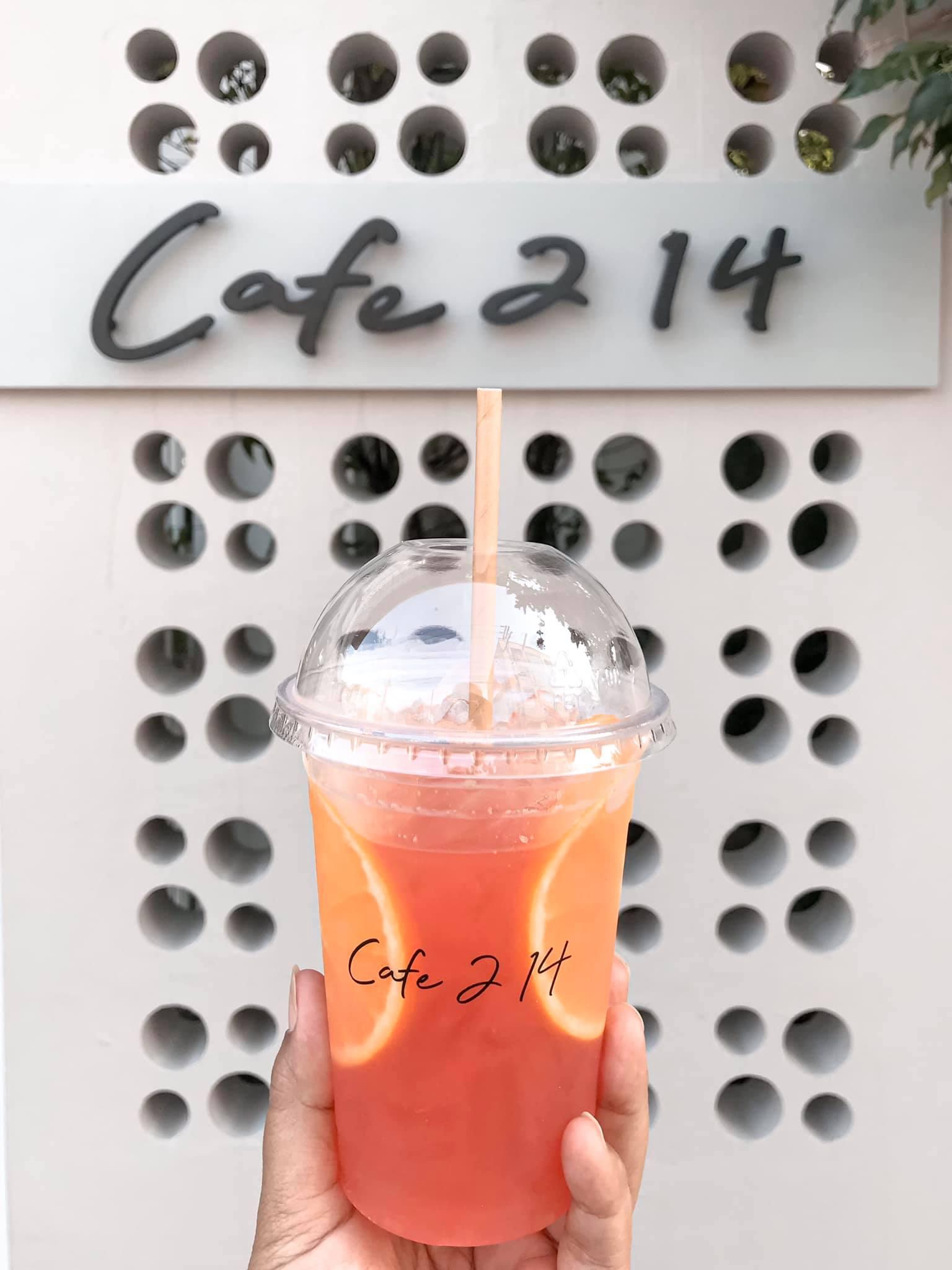 จุดเช็คอินเด็ดๆ ร้าน Cafe 214 Hua Hin คาเฟ่สายชิวกับเค้กอร่อยๆบรรยากาศร้านสบายให้คนไปนั่งเล่นถ่ายรูปกันได้รัวๆให้ 10/10