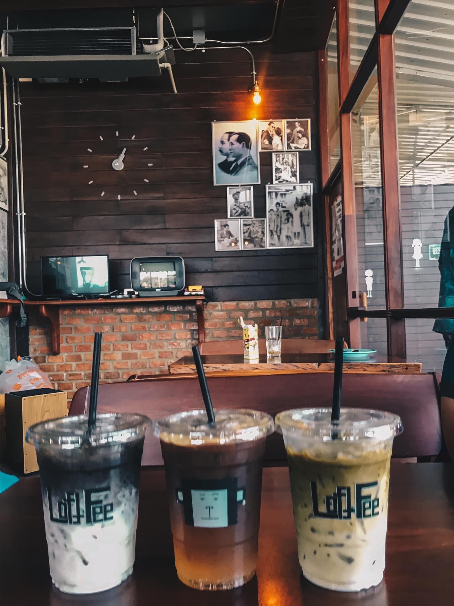 ร้านลับๆห้ามพลาด loftfee cafe คาเฟ่ตกแต่งเรียบง่ายมีสไตล์ อากาศเย็นสบาย เมนูหลากหลายทั้ง ชา กาแฟ สมูทตี้ผลไม้ ปักหมุดเช็คอินกัน